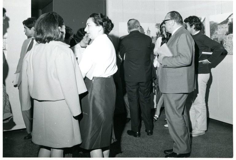 Il pubblico alla mostra della terza campagna di rilevamento, 1970