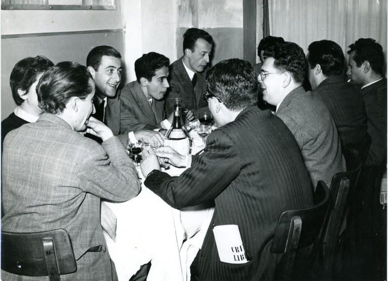 Andrea Emiliani, a capotavola, [anni '70]