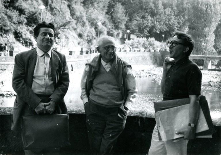 Francesco Arcangeli, Giuseppe Raimondi e Andrea Emiliani a Porretta Terme nell'estate 1968 (foto Paolo Biavati)
