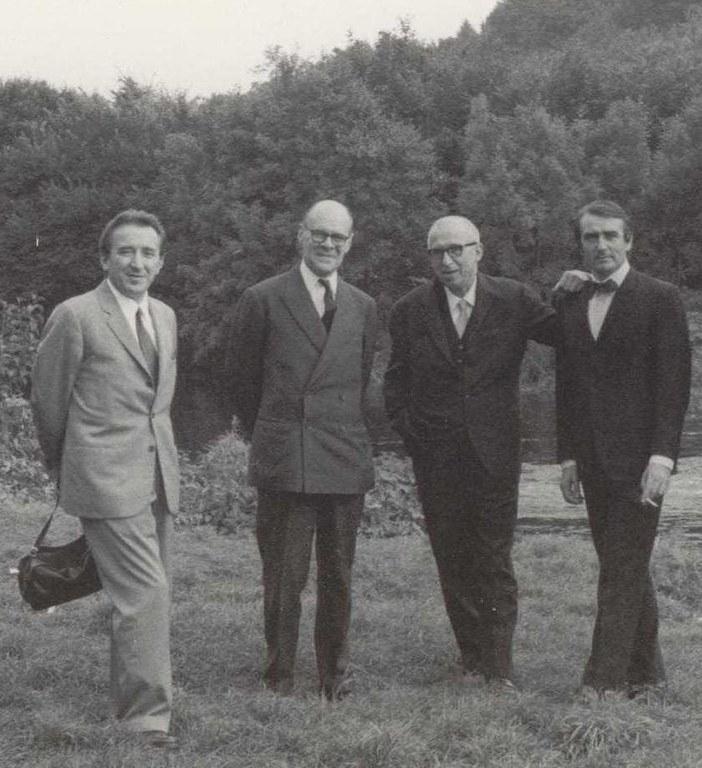 Da sinistra: Andrea Emiliani, Denis Mahon, Cesare Gnudi ed Eugenio Riccòmini, [1970]