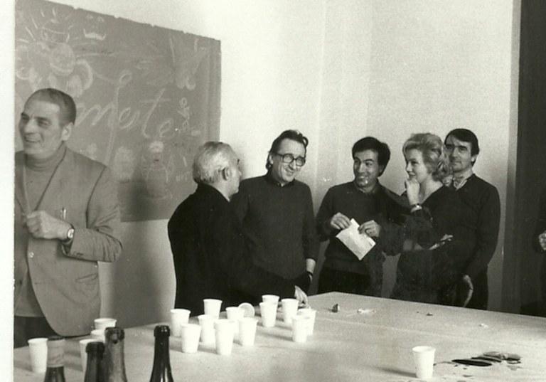 Andrea Emiliani con, da destra, Cesare Gnudi, Orlando Piraccini, Jadranka Bentini, Eugenio Riccomini, 1975
