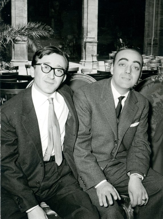 Andrea Emiliani e l'editore Elio Castagnetti [anni '60]