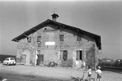 Casa rurale di impianto cinquecentesco della pianura bolognese
