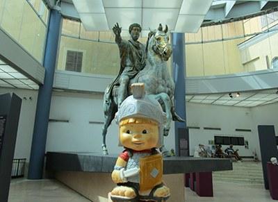 """""""Marco Aurelio va a cavallo e il piccolo Maximus a piedi!"""""""