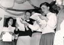 Coro degli ospiti della colonia montana, 1953, raccolta EDP-ERSA