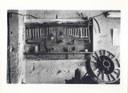 Attrezzi del fabbro, fotografia di Attilio Gigli, 1983, raccolta L'artigianato, i suoi modelli culturali, la città storica