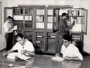 Interno di una biblioteca costruita dall'Ente Delta Padano, Publifoto, 1961, raccolta EDP-ERSA