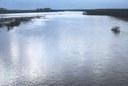Bacino del fiume Po nei pressi di Piacenza, fotografia di Delfino Insolera, ca. 1975, raccolta Delfino Insolera