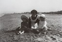 Giuseppe Michelini, Domestica con bambini, Riccione 1913, © Collezioni d'Arte e di Storia della Fondazione Cassa di Risparmio di Bologna