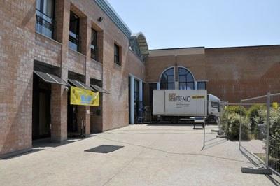Immagini da un recupero: la biblioteca di Cavezzo (MO)