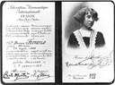 Rosina Ferrario è la prima donna italiana a ottenere un brevetto di pilota (il numero 203)