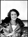 Ritratto di Jean Batten, immagine di apertura dell'edizione bolognese della mostra, realizzata da Leo White il 16 ottobre 1936