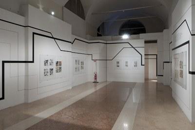 """Allestimento della  mostra """"La quinta verità"""" - Museo Civico Archeologico Bologna"""