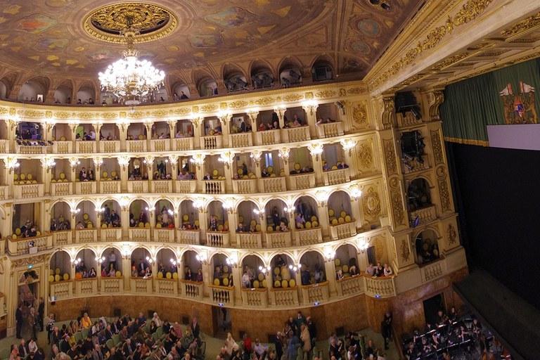 Teatro_Comunale_di_Bolognaweb.jpg