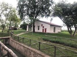 """La nuova vita del Mulino Scodellino di Castel Bolognese (RA): dall'abbandono a spazi per la cultura e la comunità. Inaugurata la """"Corte del Mulino"""""""